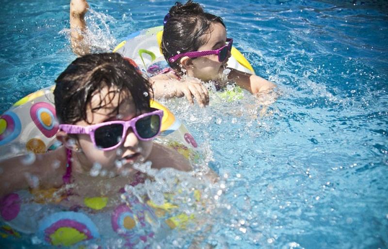 带小孩去游泳要注意什么问题