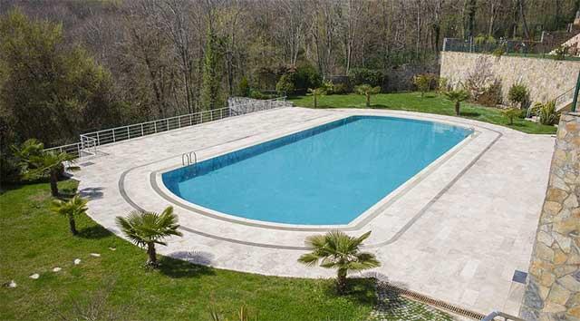如何选择到专业的泳池工程公司?