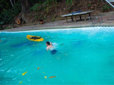 室外游泳池需要哪些设备?