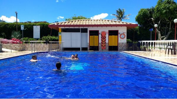 室内泳池为什么要安装恒温控制系统?