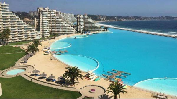 揭秘全世界最奢华的十大酒店游泳池
