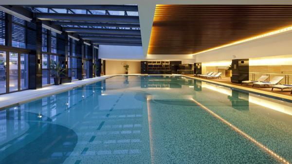 南宁长江源泳池工程厂家教大家如何降低水耗和电耗