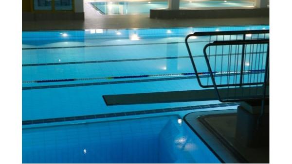 游泳池水处理设备怎么选择?