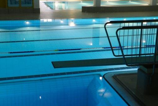 游泳池水处理设备怎么选择