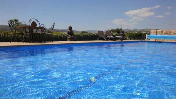 别墅游泳池需要哪些水处理设备,后期又要怎么维护呢?