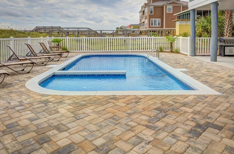 钢结构游泳池需要哪些设备