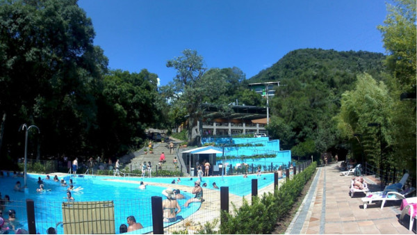 一套游泳池设备多少钱