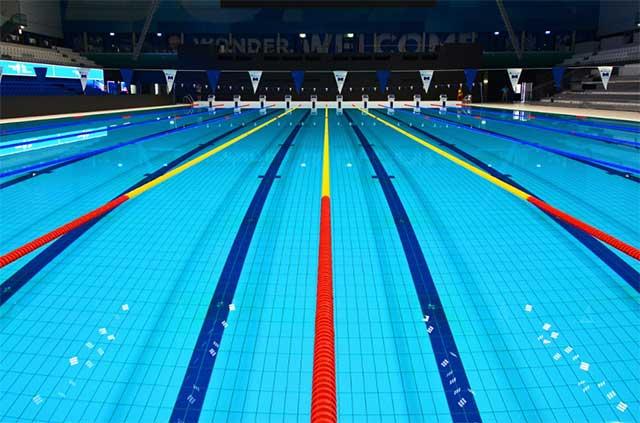 在选购游泳池水处理设备时需要注意哪些问题?